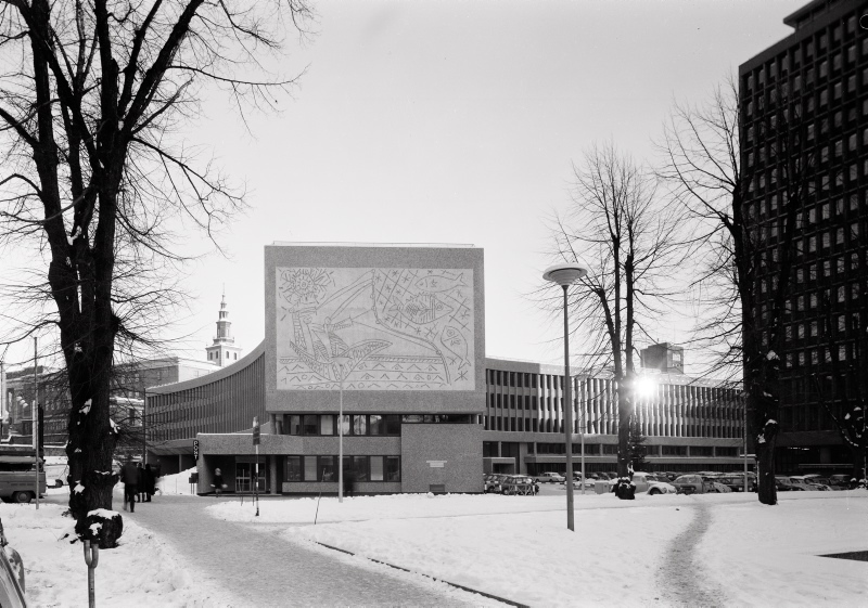 Y-block, Government Quarter, Oslo, Norway. Architect Erling Viksjø. Artist: Pablo Picasso. Photo: Teigens Fotoatelier, 1969-72, Dextra Photo.