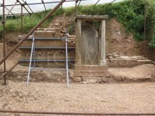 dezheng-stele-the-platform-to-the-rear-has-partially-collapsed-and-has-been-shored-with-a-buttress