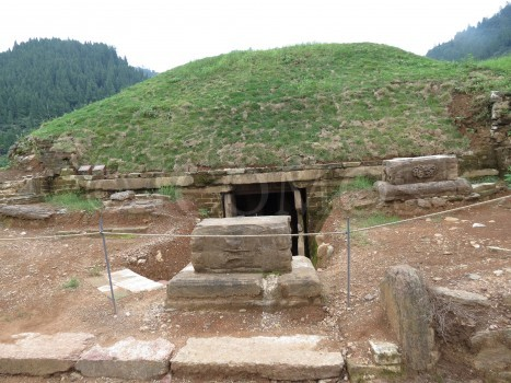 tomb-m11-in-the-zijinshan-burial-ground-which-has-been-excavated-the-outer-mound-has-been-covered-with-vegetation-to-consolidate-the-soil-and-prevent-er