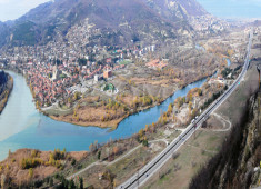 2-mtskheta--view-from-jvari-hill-with-the-highway