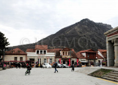 36-mtskheta-oco-touristic-development-near-the-entrance-to-svetitskhoveli-monastery