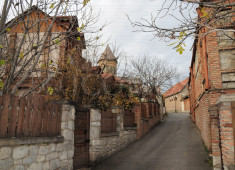 38-renovated-houses-in-svetitskhoveli-monastery-area-retouche
