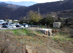 75-provisional-visitors-toilets-near-the-entrance-of-jvari-complex-retouche