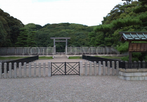 nintoku-tenno-kofun-entrance-2010