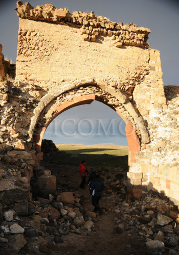 60-ani-city-walls-one-of-the-gates-in-dangerous-condition