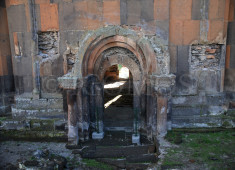 114-ani-cathedral-destroyed-fabric