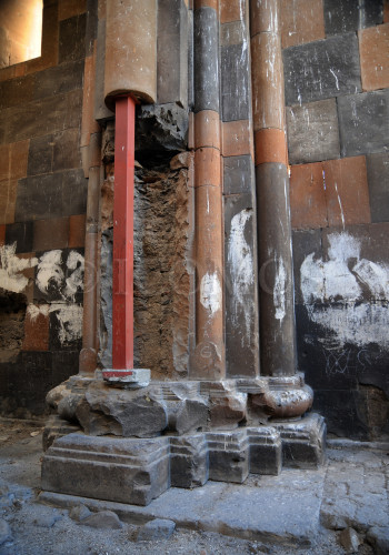 116-ani-cathedral-destroyed-parts-of-the-main-supporting-columns