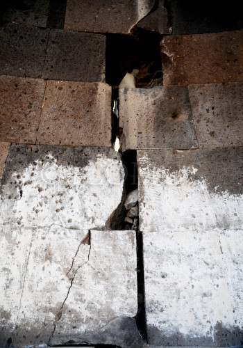 81-redeemer-church-through-and-wide-crack-on-interior-apsis