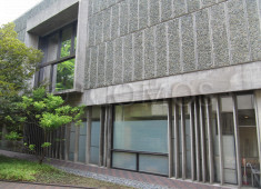 north-facing-concrete-louvres-les-ondulatoires-and-first-floor-portal